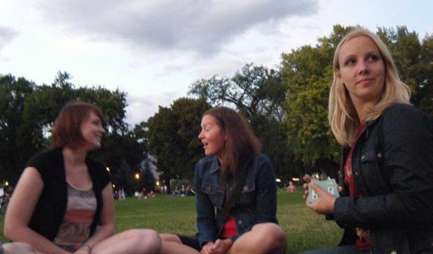 Picnics with friends = cheap fun.