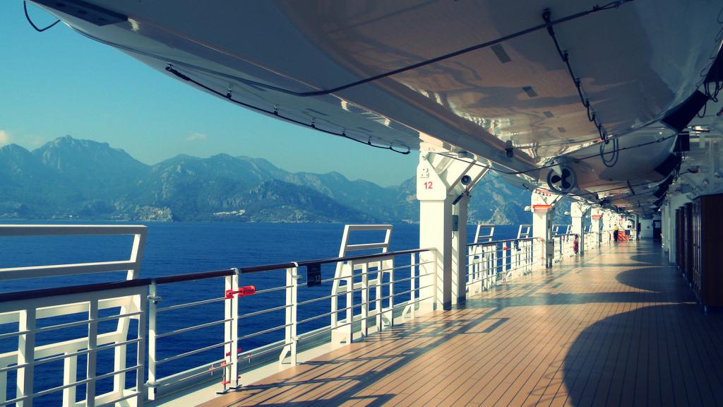 cruise-ship-deck