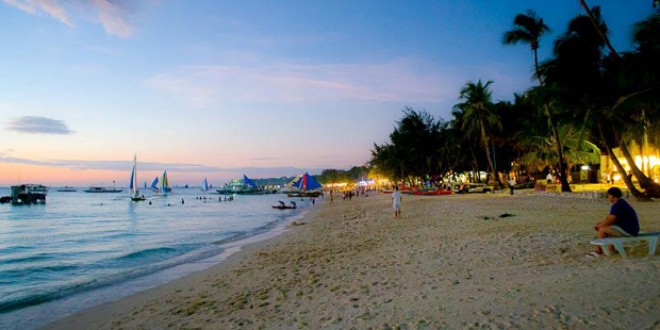 Please don't feel sorry for me - this is what awaits me when I finish my work! (Boracay Beach, Philippines)