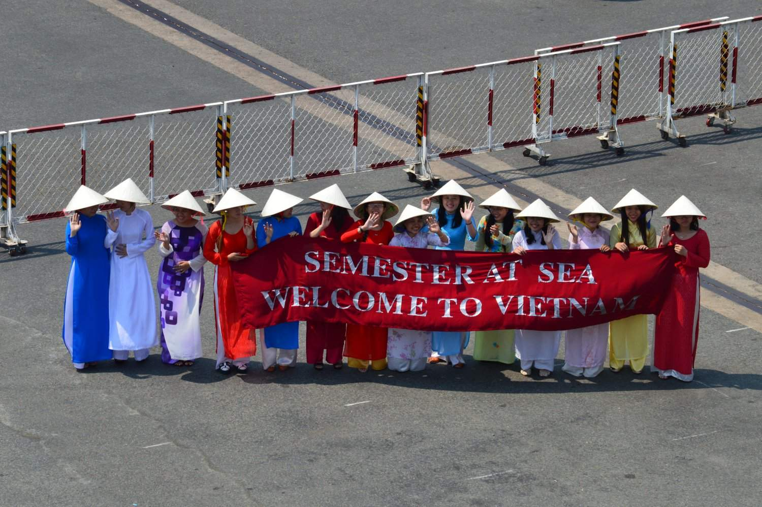 VN - Welcome sign
