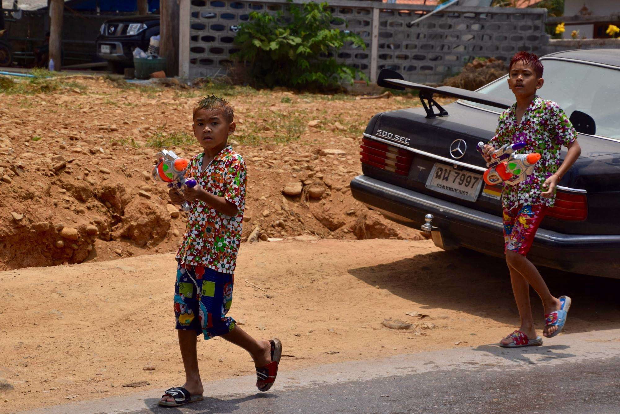 This little kids are 100% badass. They should have been walking in slow motion with an epic soundtrack behind them.