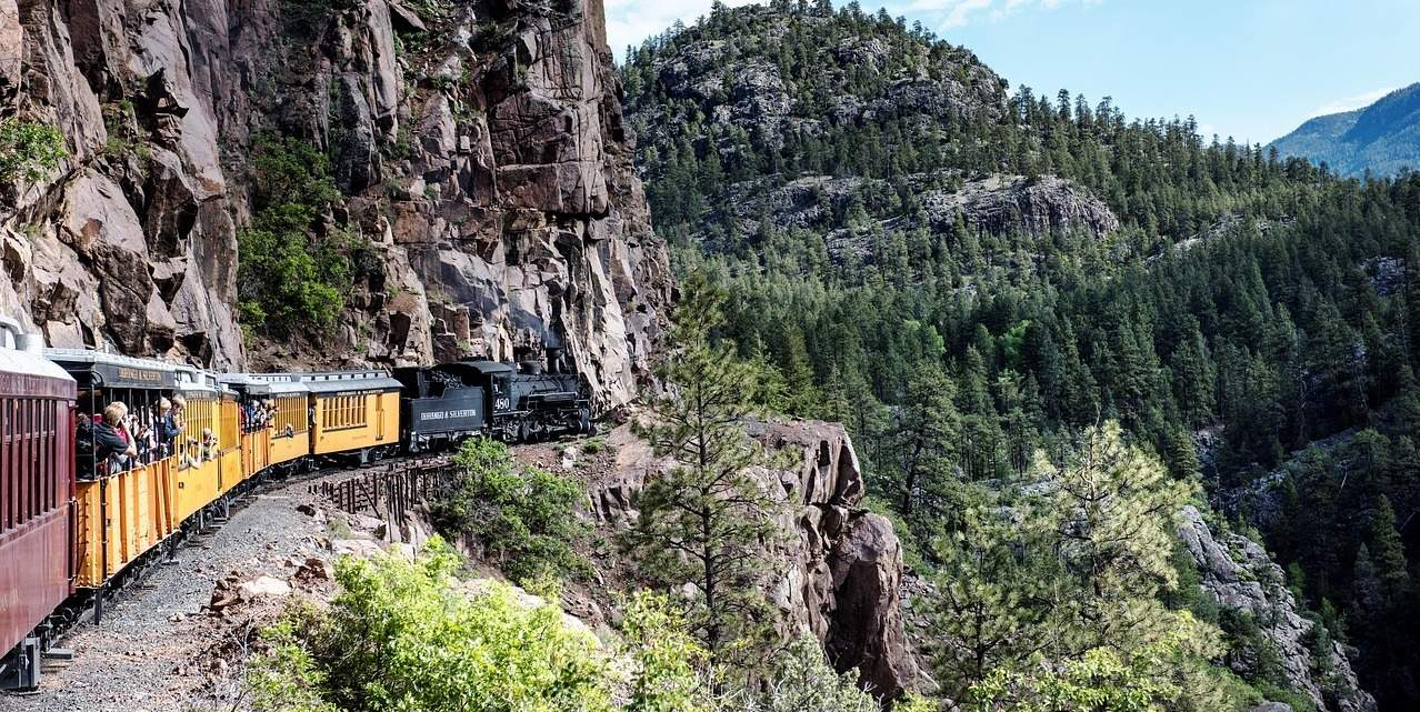 Helpful Tips for Train Travel in North America - Global
