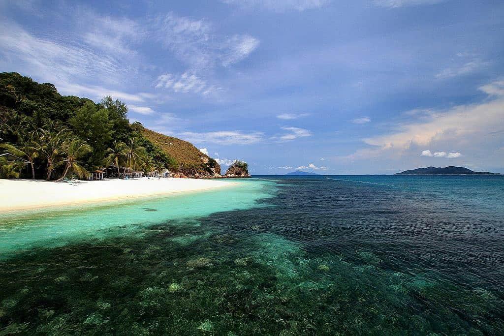 how to get to rawa island